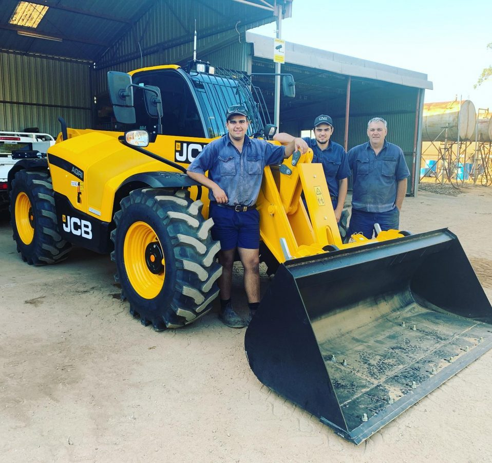 Colin, Curtis and Liam with their new JCB Series III 542-70 Loadalls