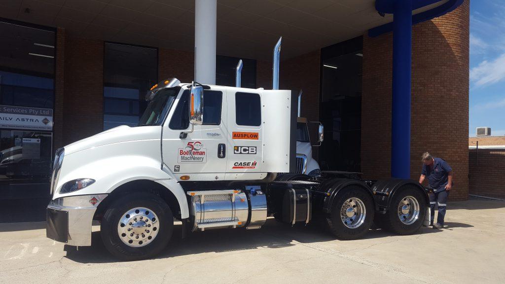 White JCB truck for Boekemans transport services